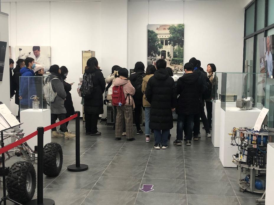 清华大学新闻传播学院2019级本科生集体参观科博展览