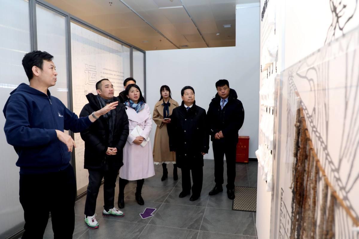 马来西亚IOI产业集团董事长李耀昇一行参观清华大学科学博物馆
