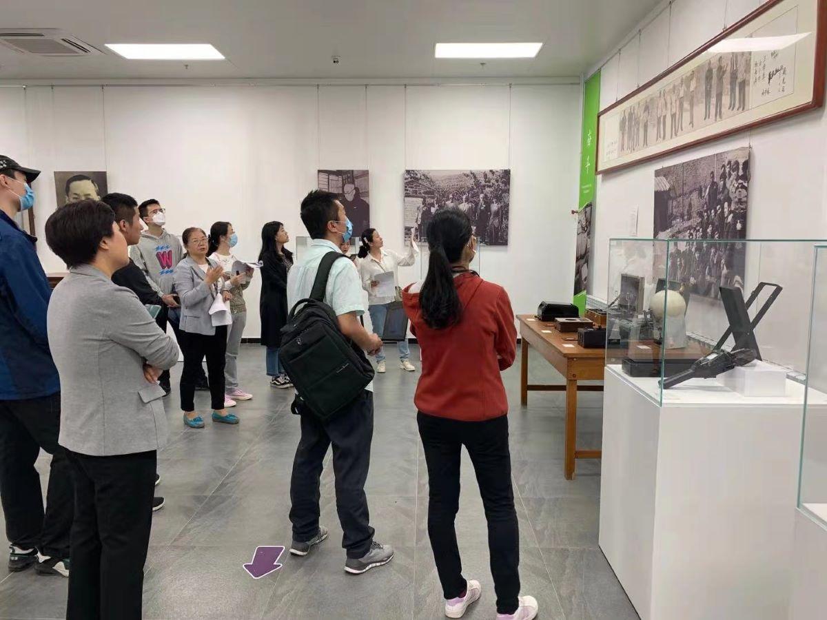 """""""百年器象""""展览志愿者讲解观摩学习活动圆满完成"""